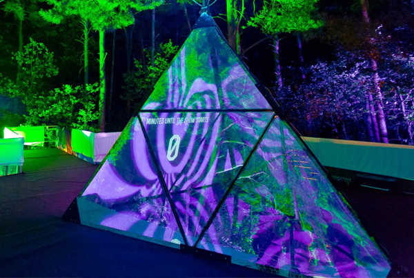 Tetrahedron – Kaleidoscopic videomapping installation